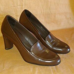 Cole Haan heels - size 6 B